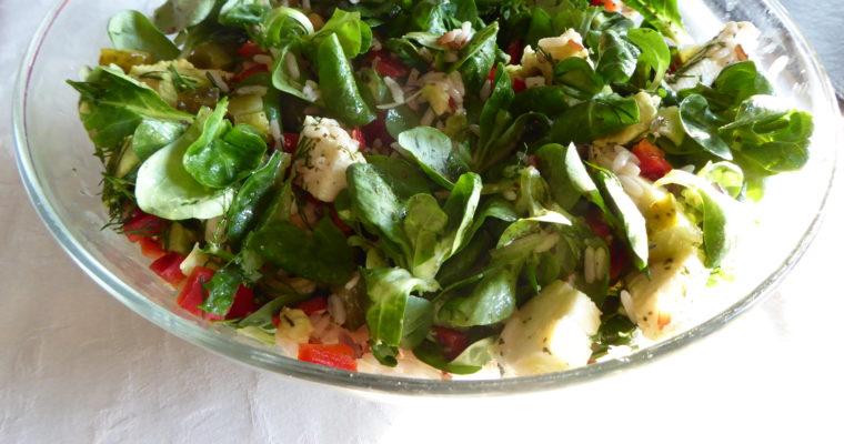 Szalona sałatka z trójkolorowym ryżem i awokado