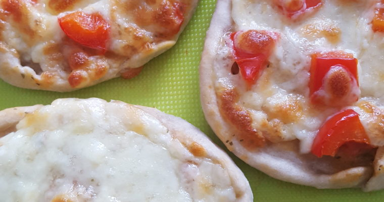 Mini pizze z mnóstwem warzyw